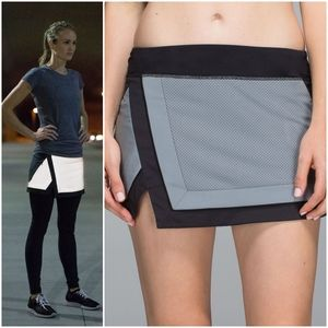 Lululemon Reflective Light It Up Skirt Silver NWT